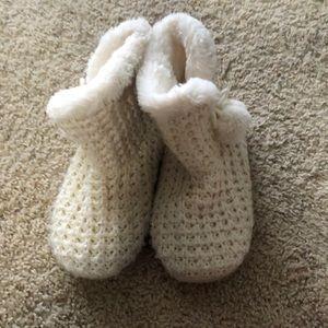cream fuzzy slippers